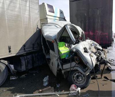 Скончался пассажир УАЗа, который попал в аварию с 5 автомобилями под Самарой   CityTraffic