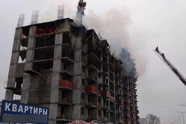 В Самаре ранним утром 70 человек тушили пожар в новостройке на площади 500 квадратных метров: видео | CityTraffic