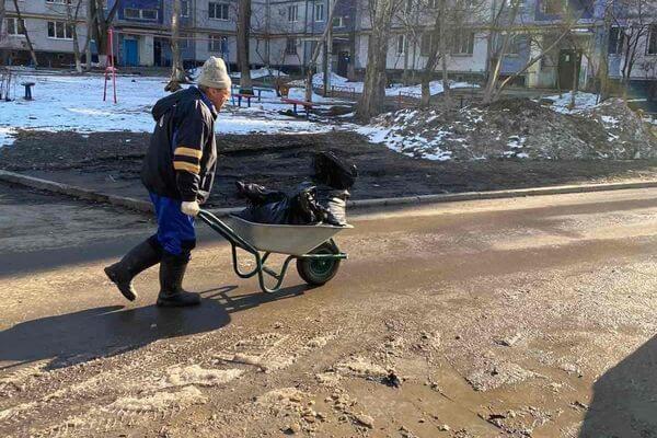 В Самаре начали ворошить снег | CityTraffic