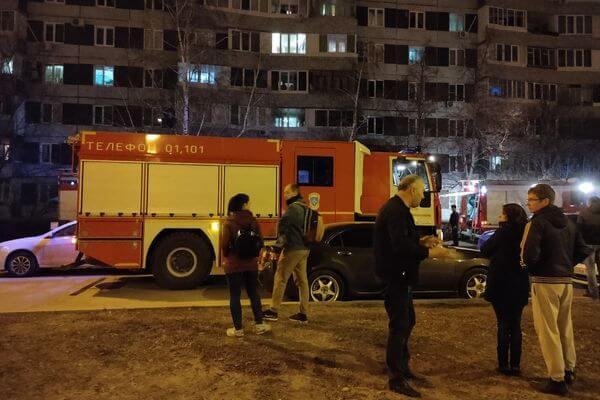 Из дома в Тольятти, где ночью горел балкон, эвакуировали 28 человек | CityTraffic