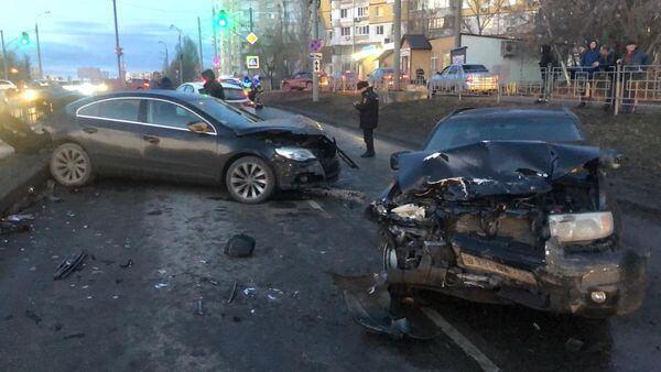 В Самаре два человека пострадали в столкновении трех автомобилей | CityTraffic