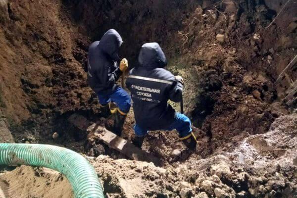 Рабочего бетонного завода засыпало землей в Самарской области: видео | CityTraffic