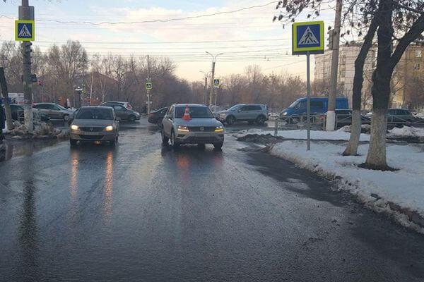 В Новокуйбышевске внедорожник сбил женщину | CityTraffic