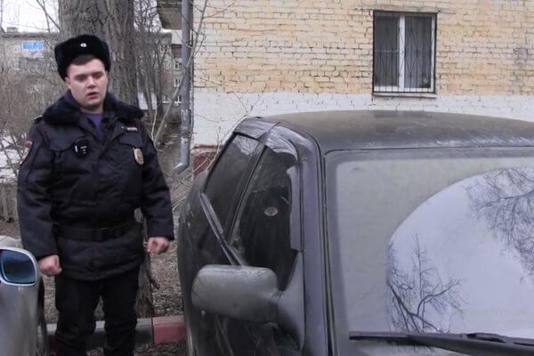 В Самаре подросток и его приятель попались полиции в момент кражи из машины: видео | CityTraffic