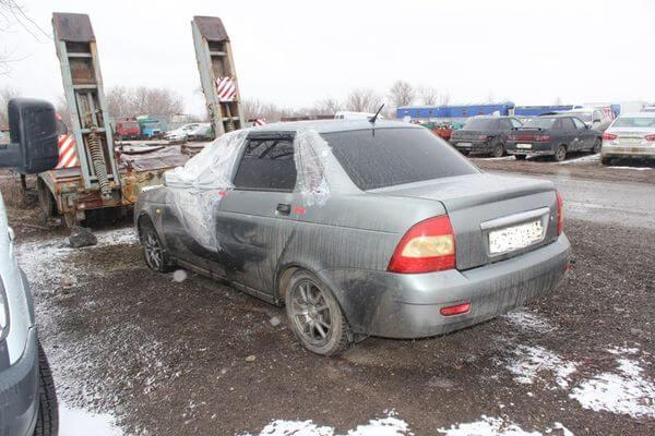 Житель Оренбургской  угнал у самарца машину на эвакуаторе прямо из двора | CityTraffic