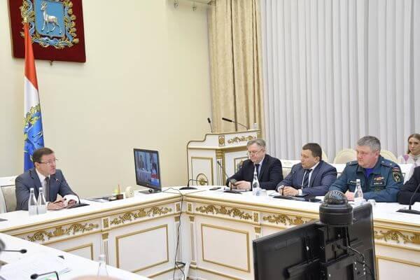 Глава Самарской области призвал жителей не выходить из дома без острой необходимости | CityTraffic