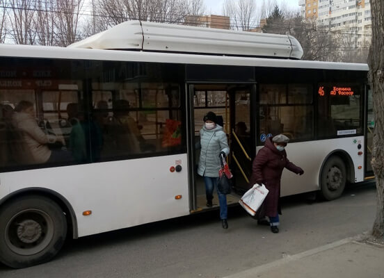 В Тольятти в день введения «масочного режима» в муниципальный транспорт не пустили 170 человек | CityTraffic