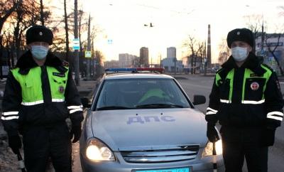 В Самаре полицейские за 15 минут нашли тех, кто ограбил мужчину на улице Победы