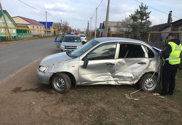 В селе Самарской области два водителя не поделили перекресток, пострадал один человек | CityTraffic