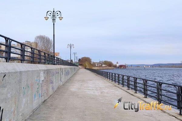 В Тольятти спасали членов экипажа танкера, шлюпка которых налетела на подводный камень | CityTraffic