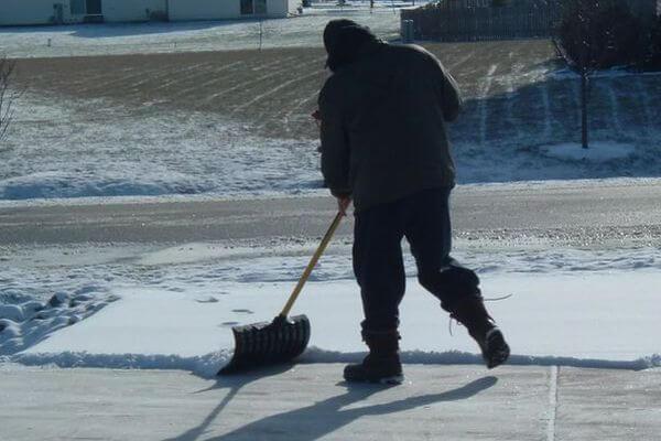 В Самарской области предложили не чистить от снега газоны и клумбы | CityTraffic
