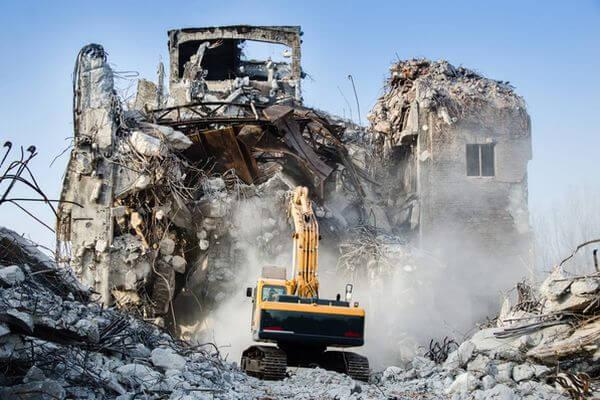 Власти Сызрани снесли аварийный дом под угрозой уголовной ответственности | CityTraffic