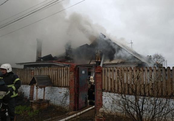 В Самаре на площади 250 квадратных метров ликвидирован пожар в частном жилом доме | CityTraffic