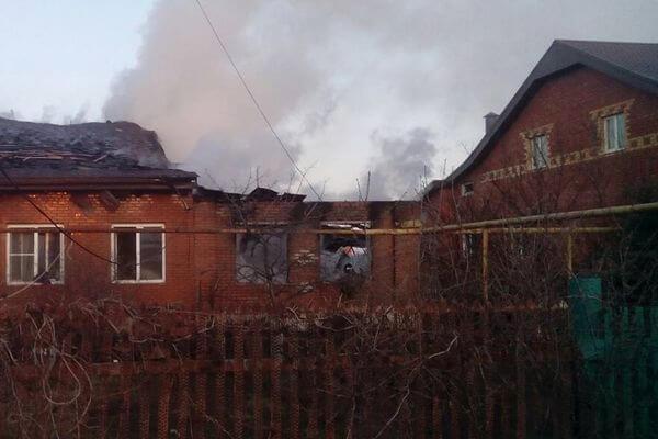 Под Тольятти 22 пожарных 2,5 часа тушили дом: видео | CityTraffic