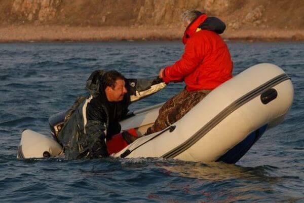 Жителя Самары с алкогольной зависимостью заставили сдать права на вождение судна   CityTraffic