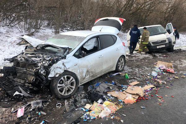 Один человек погиб, трое пострадали в аварии на трассе М-5 у села Валы в Самарской области | CityTraffic