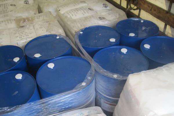 Самарские таможенники арестовали 1,5 тонны нефтепродуктов, которые незаконно везли в Казахстан | CityTraffic