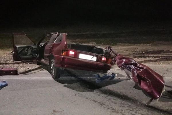 На трассе М-5 в Самарской области ночью погиб пассажир легковушки, которая врезалась в стоящую ГАЗель | CityTraffic
