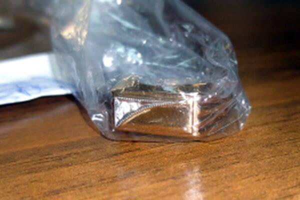 Житель Самары похитил перстень за 22 тысячи рублей, сказав продавцу, что не может его снять | CityTraffic