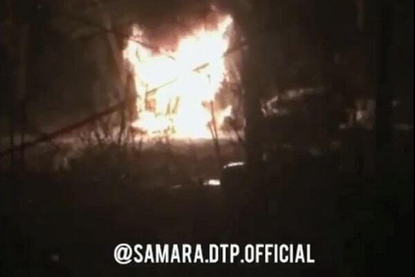 В Самаре ночью обгорел человек в строительном вагончике: видео | CityTraffic