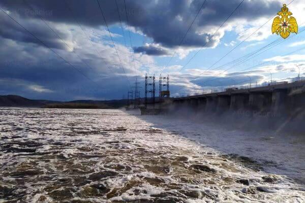 На полуострове Копылово в Тольятти затопило 48 дач | CityTraffic