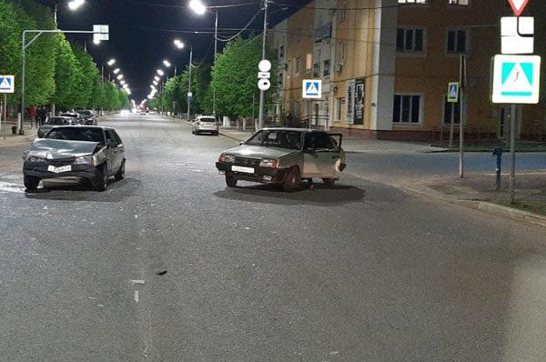 В Сызрани начинающий водитель спровоцировал аварию, пострадала 18-летняя девушка | CityTraffic