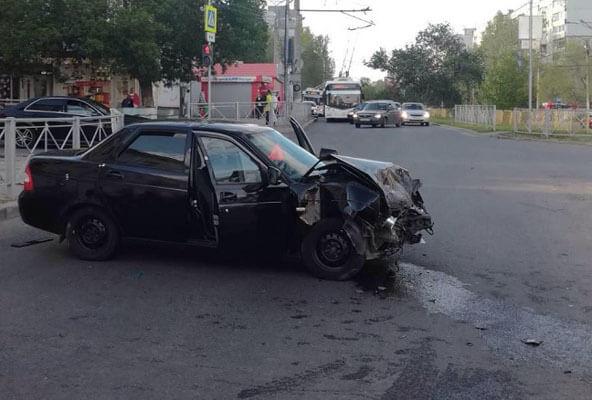 В Самаре водитель автомобиля «ГАЗон Некст» сбил двух пешеходов-нарушителей | CityTraffic