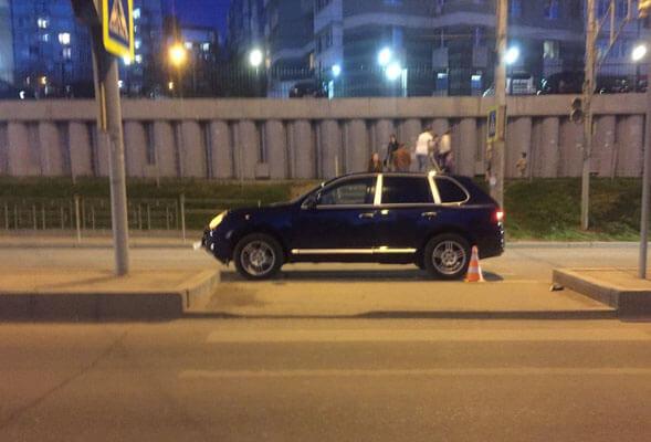 В Самаре водитель автомобиля Porsche Cayenne сбил женщину-пешехода | CityTraffic
