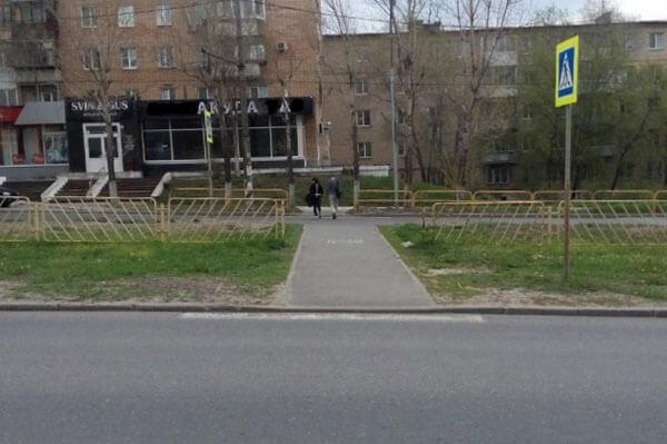 В Тольятти водитель иномарки на нерегулируемом пешеходном переходе сбил мужчину | CityTraffic