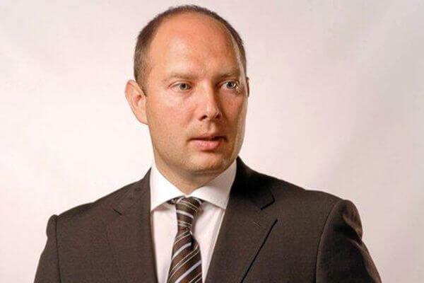 Подстреленный в ягодицу депутат Михаил Маряхин нашел нарушения в неработающем ресторане Тольятти | CityTraffic