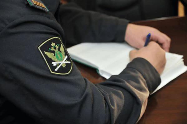 Житель Октябрьска угнал чужую машину, опрокинулся на ней и заплатил за это 90 тысяч рублей | CityTraffic