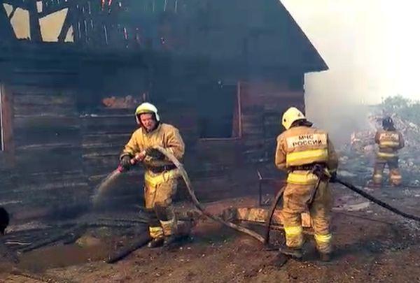 В Самарской области 100 жителей 11 домов остались без жилья в результате пожара | CityTraffic