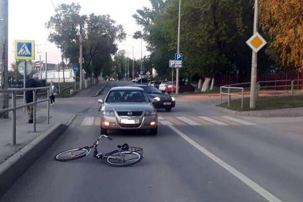 В Самаре под колеса иномарки попала девочка-подросток на велосипеде | CityTraffic
