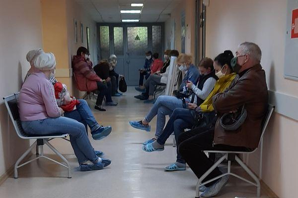Жители Тольятти написали главврачу Медгородка о том, сколько времени в очередях проводят раковые больные | CityTraffic