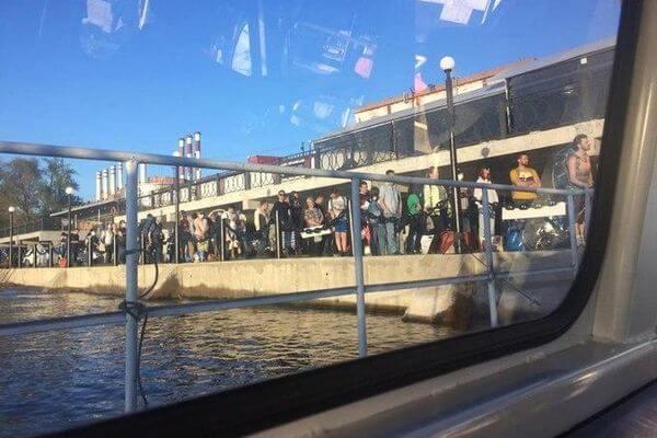 Жители Самары устроили столпотворение на пристани, желая уехать в Рождествено в майские праздники | CityTraffic