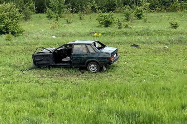 На трассе М-5 в Самарской области в кювете опрокинулась легковушка | CityTraffic