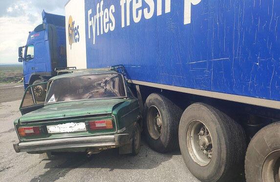 В Самарской области в больницу попали два пассажира автомобиля Nissan, который оказался в кювете | CityTraffic