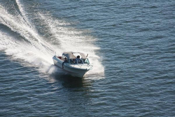 В Самарской области утвердили тарифы на перемещение на спецстоянку катеров, яхт и гидроциклов | CityTraffic