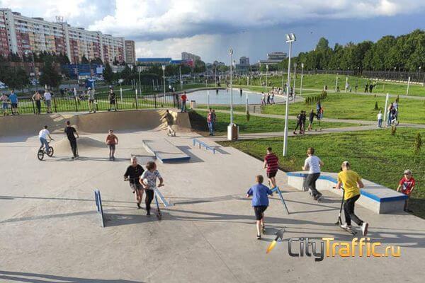 Чиновники рассказали, когда в сквере 50-летия первого автомобиля ВАЗ в Тольятти появится медиафасад | CityTraffic