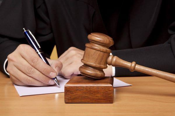 В Самаре будут судить двух чиновников и посредника, носившего им взятки | CityTraffic