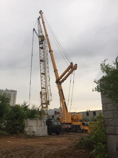В Тольятти демонтируют 60-метровый кран, который накануне едва не рухнул на землю | CityTraffic