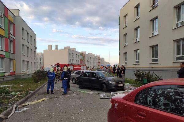 В Самаре в результате ЧП повредило 10 автомобилей, несколько квартир и подъездную дверь | CityTraffic