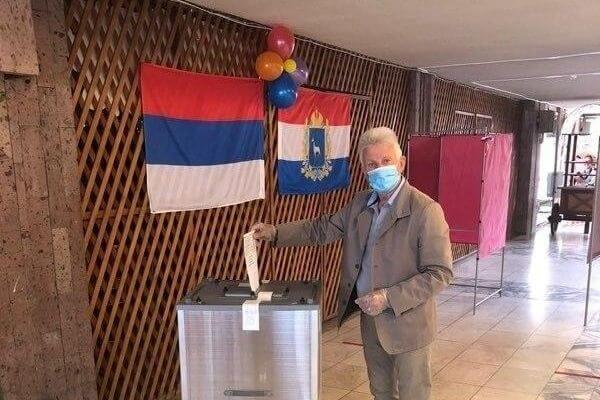 В Тольятти на одном из избирательных участков вывесили флаг Сербии | CityTraffic