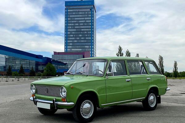 """В Тольятти показали уникальный автомобиль """"Жигули""""   CityTraffic"""
