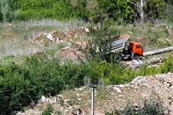 Жители Пятой просеки в Самаре рассказали, как рядом с озером Леснуха КаМАЗы свалили мусор: видео | CityTraffic