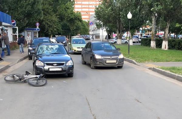 В Тольятти под машину попал неторопливый подросток на велосипеде | CityTraffic