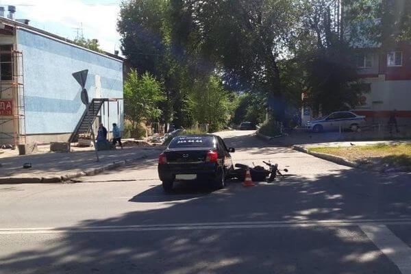 В Самаре пострадал водитель иномарки, столкнувшейся с мотоциклом | CityTraffic