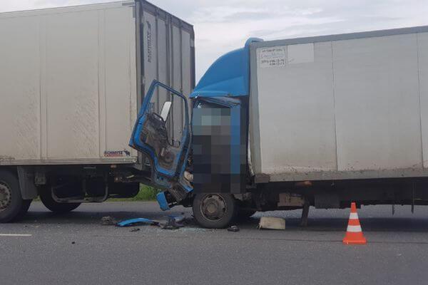 На трассе М-5 в Самарской области погиб водитель грузовика | CityTraffic