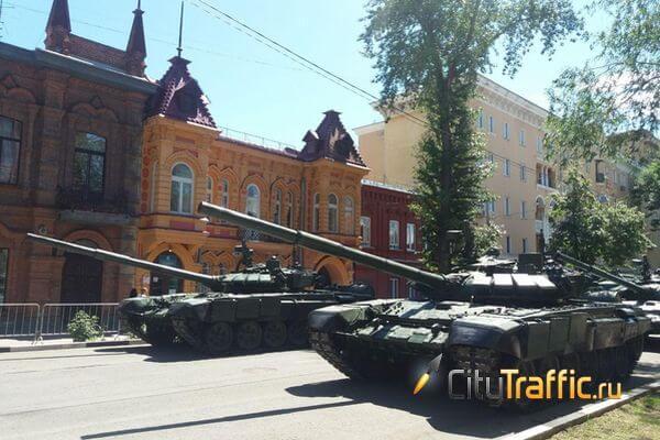 На улицах Самары припарковались танки | CityTraffic
