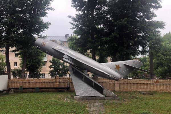 Памятник-самолет МиГ-17 в Самаре будет передан городу до конца 2020 года | CityTraffic